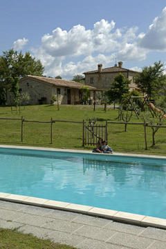 Agriturismo's Swimming pool and garden